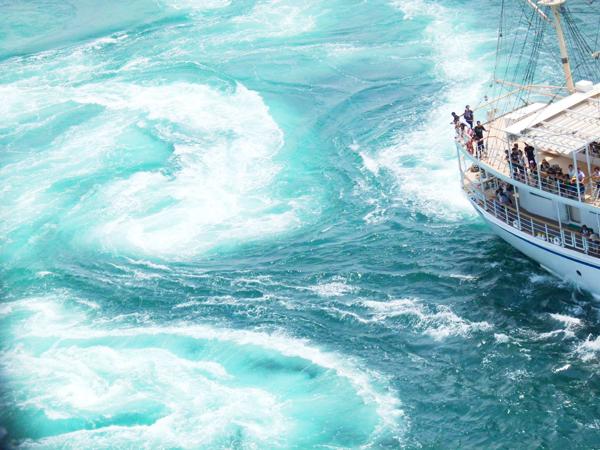 【春の大潮】淡路島から出航する迫力満点の「うずしおクルーズ」
